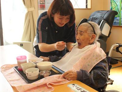 有料老人ホームWAKIIRO(和貴彩)で介護のお仕事、有料老人ホーム「あさなぎ」では調理員(パート)求人募集